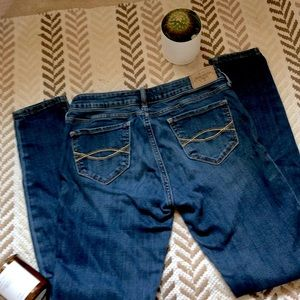 Abercrombie & Fitch Jeans - Abercrombie and Fitch skinny jeans size 2S